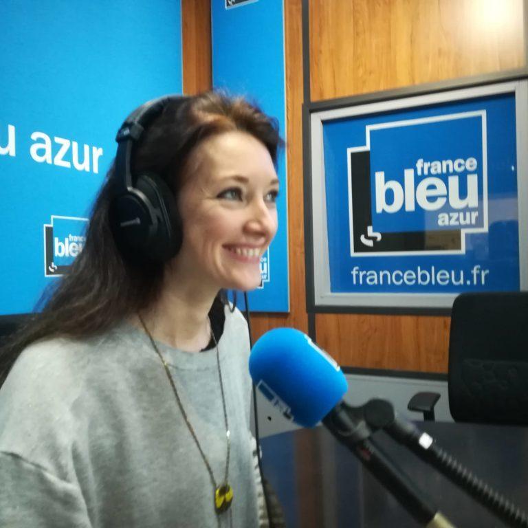 Sophie Chatelier au micro de radio france en tant qu'experte
